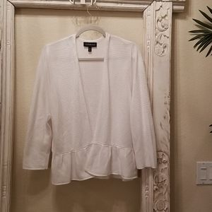 Lane bryant white ruffled hem sweater 14/16